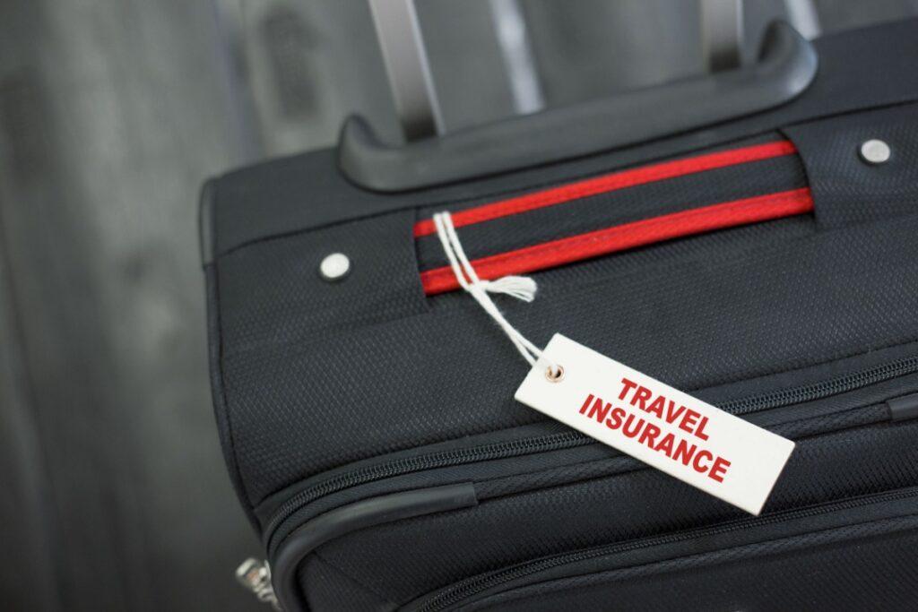 ¿Qué seguro de viaje debo contratar?